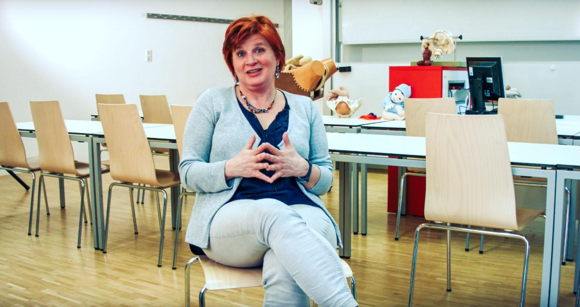 Studiengangsleiterin Lisa Rakos